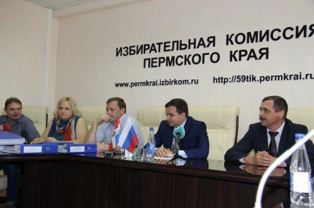 Олег Хараськин сдал подписи вподдержку собственной кандидатуры визбирком