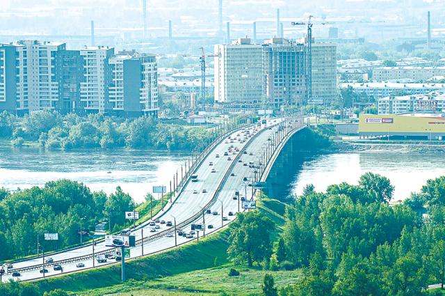 Региону нужна программа снижения выбросов от машин. © / Фото: Ирина Якунина / АиФ