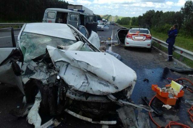 Семья изЧелябинской области разбилась вДТП под Самарой ФОТО