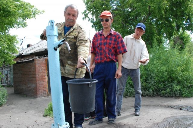 В Омской области услуги водоснабжения предоставляли без лицензии.