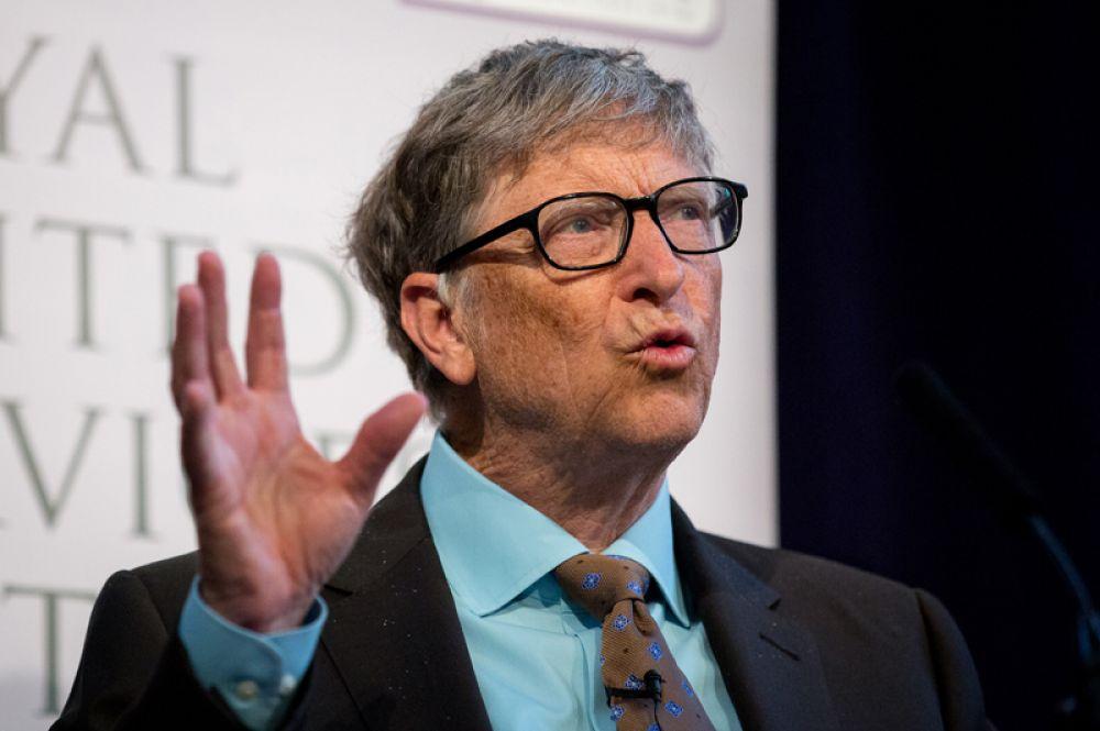 Капитал Билла Гейтса составляет 89,8 миллиарда долларов, поэтому основатель компании Microsoft по-прежнему лидирует.