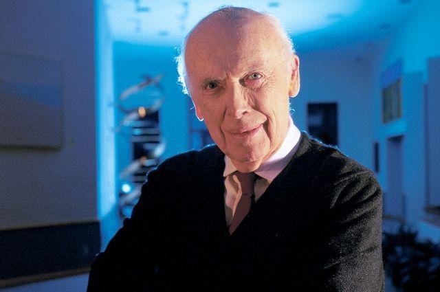Джеймс Уотсон 25 лет руководил лабораторией Колд-Спринг-Харбор, где вёл исследования генетики рака.