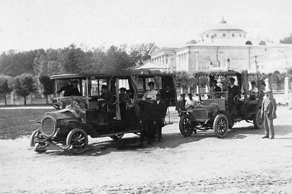 NAG и «Даймлер» в Останкино, 1913 год.