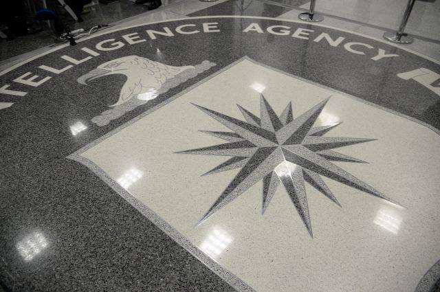 Экс-глава ЦРУ счел первопричиной утечек атмосферу вБелом доме