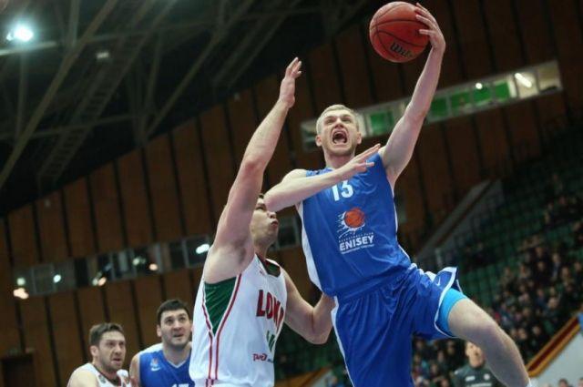 В составе «Енисея» Захаров становился лучшим молодым игроком Единой Лиги ВТБ.