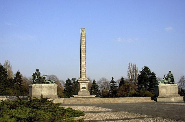 СМИ: РФ даст Польше «асимметричный ответ» на снос советских памятников
