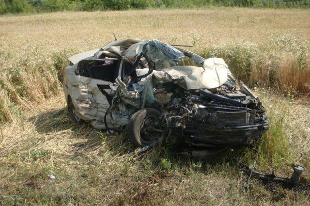 Появились фото смертельного ДТП на юге Тамбовской области, в котором погибла девушка