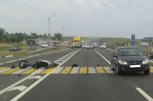 Двое кубанцев намотоцикле погибли вДТП вАдыгее