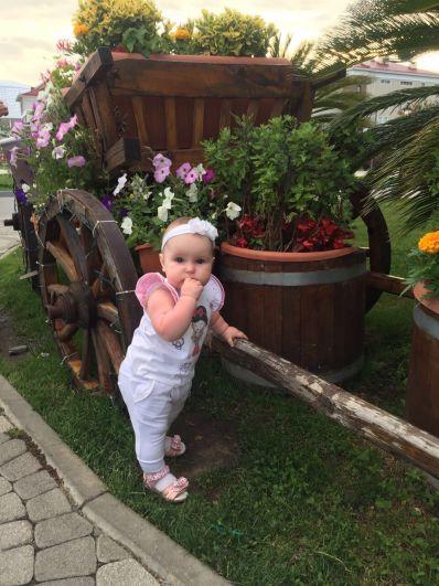 Участник №10. Новопашина Вероника, 11 месяцев, г. Ставрополь
