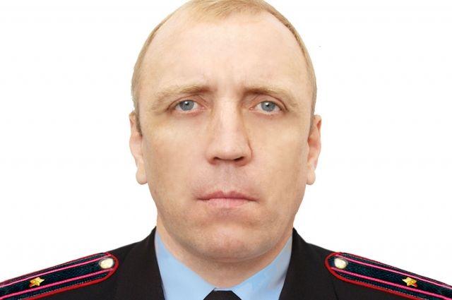 ВЧелябинской области участковый вотпуске спас женщину изгорящего дома