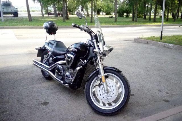 Новосибирские полицейские разыскали ивернули 89-летнему искитимцу угнанный мотоцикл
