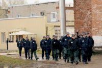 За поимку заключенного обещают 50 тысяч рублей.
