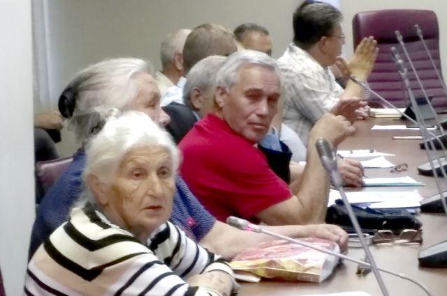 На совещании в ЗС области председатели советов домов спросили, какое отношение власть имеет к «Доброму дому», но ответить было некому.