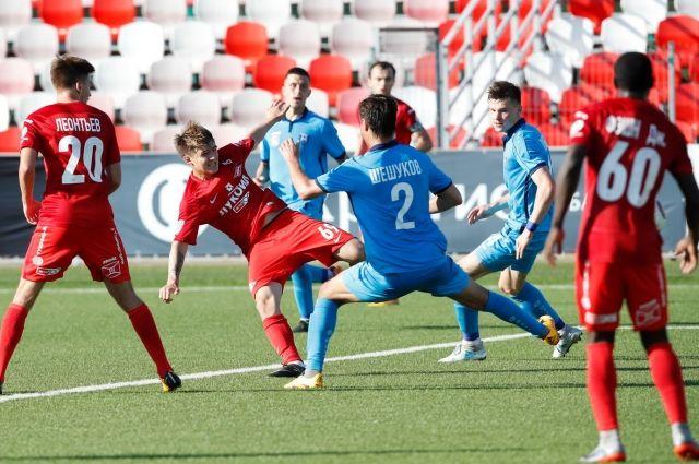 «Балтика» в гостевом матче обыграла московских спартаковцев.