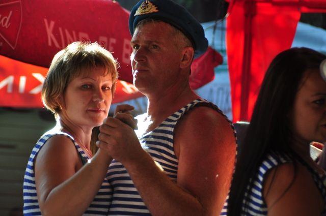 Глава Новокузнецка Сергей Кузнецов поздравил десантников с праздником.