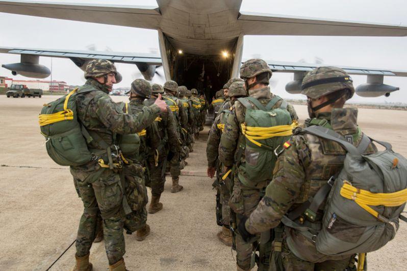 Испания. Воздушно-десантные силы Испании состоят из 6-й парашютно-десантной бригады «Наездники».