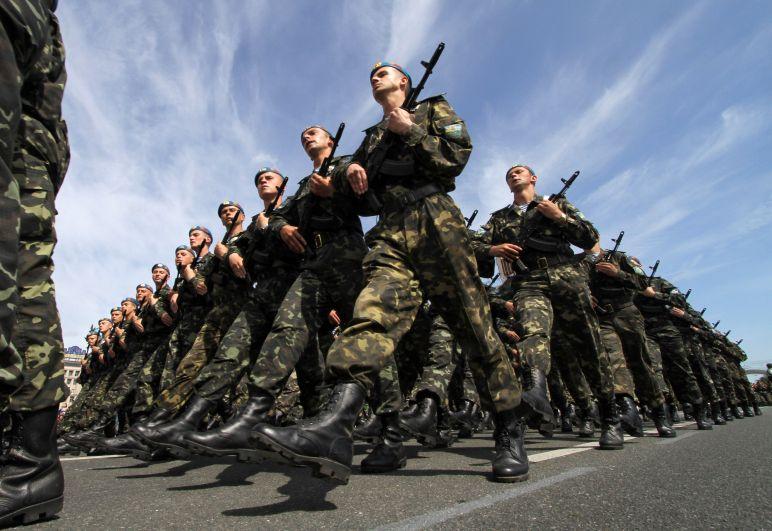 Украина. Украинские ВДВ состоят из 25-й отдельной воздушно-десантной бригады, пяти отдельных десантно-штурмовых бригад (45, 46, 79, 80, 95) и двух отдельных аэромобильных (81, 82).