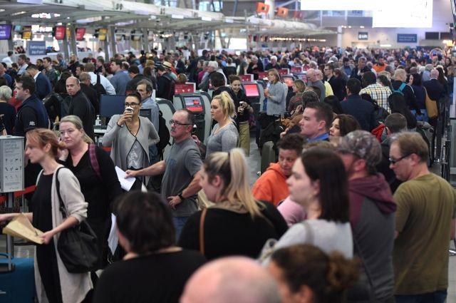 Ваэропортах Европы образовались самые большие очереди изнеграждан ЕС— Проверка по-новому