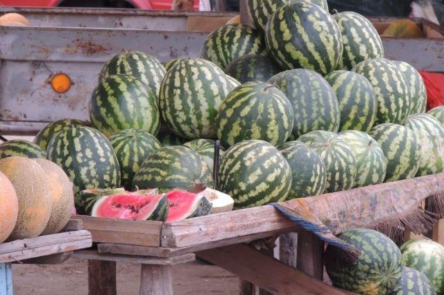 Не следует покупать ягоды и фрукты на рынках вдоль дорог.