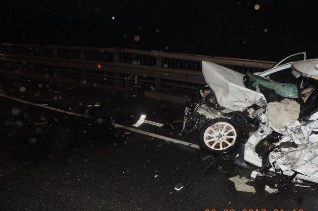 ВТверской области столкнулись грузовой автомобиль илегковушка, погибли 2 человека