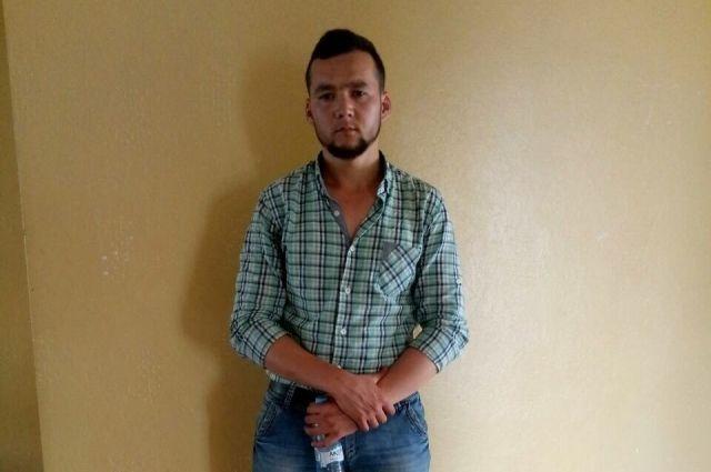 ВСамаре разыскивают мужчину, который порезал полицейских и убежал