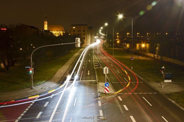 Новая дорога появится в городе примерно через год.