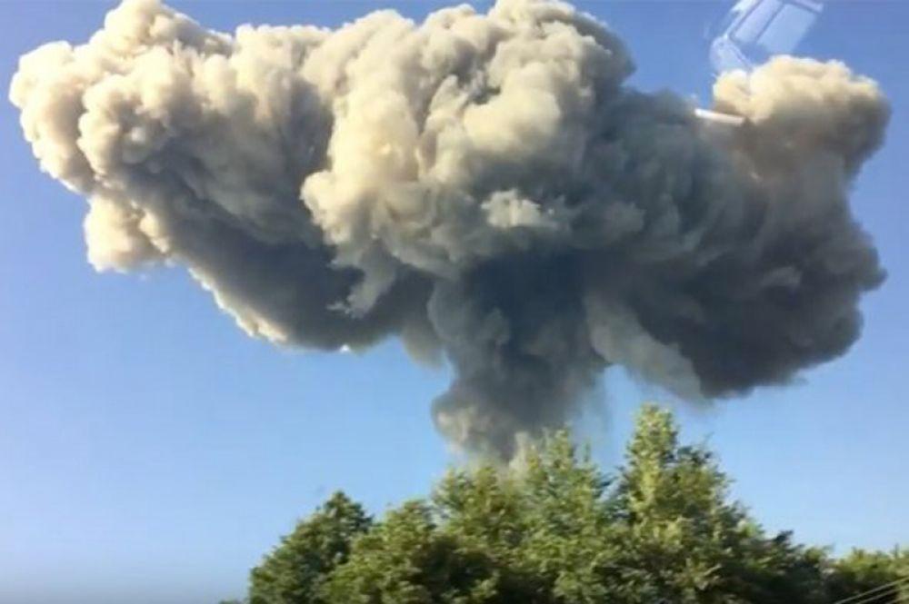 На месте взрыва боеприпасов склада Минобороны Абхазии в Селе Приморское Гудаутского района.