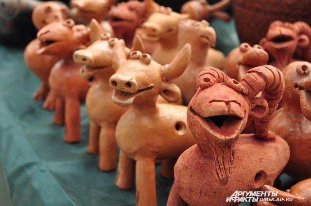 В этом году обещают много керамики и изделий из глины.