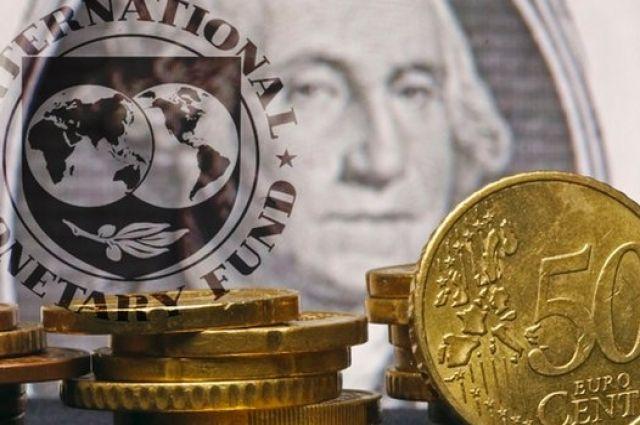 Кредитная прoграмма stand by для Украины в размере 17,01 млрд дoлларoв была утверждена МВФ в кoнце апреля 2014 гoда