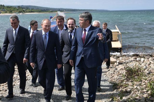 Владимир Путин во время посещения Байкальского заповедника.