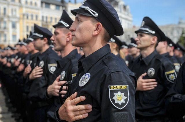 Порошенко основал штандарт руководителя государственной милиции Украины