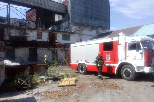 Пожар назаводе под Оренбургом удалось ликвидировать