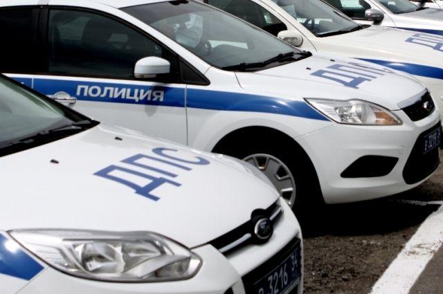 ВКрасноармейском районе Волгограда пассажирская маршрутка врезалась встолб