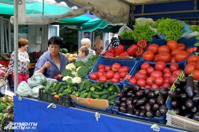 На местных рынках калининградских продуктов почти нет.