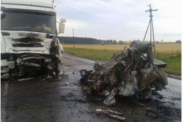 На трассе Оренбург-Казань в сгоревшем автомобиле Toyota погиб водитель.