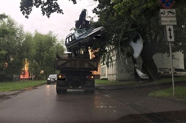 Калининградец вызвал эвакуатор, чтобы украсть автомобиль.