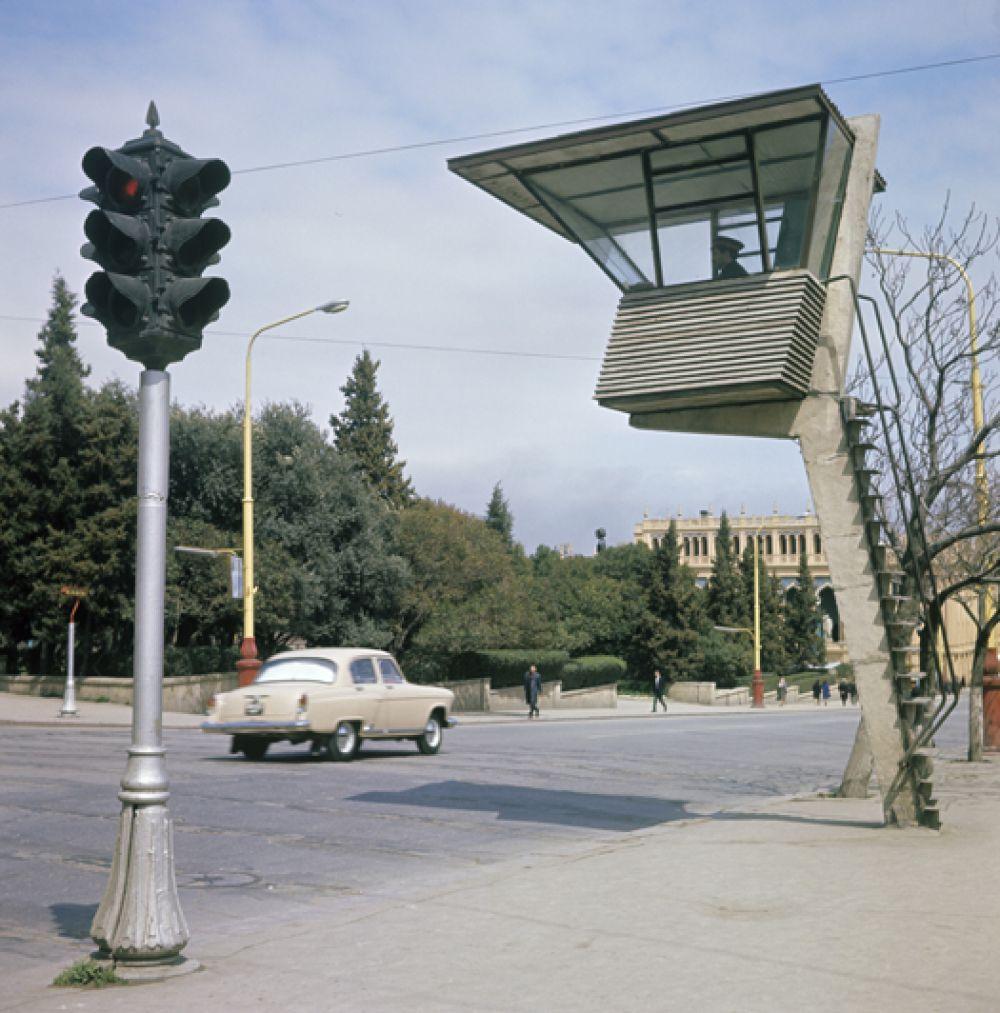 Коммунистическая улица в Баку. 1967 год.