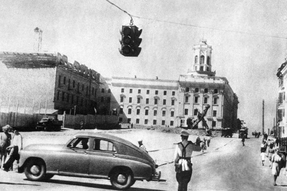 Послевоенный Минск. Новые дома на Комсомольской улице, возведенные после Великой Отечественной войны. 1947 год.