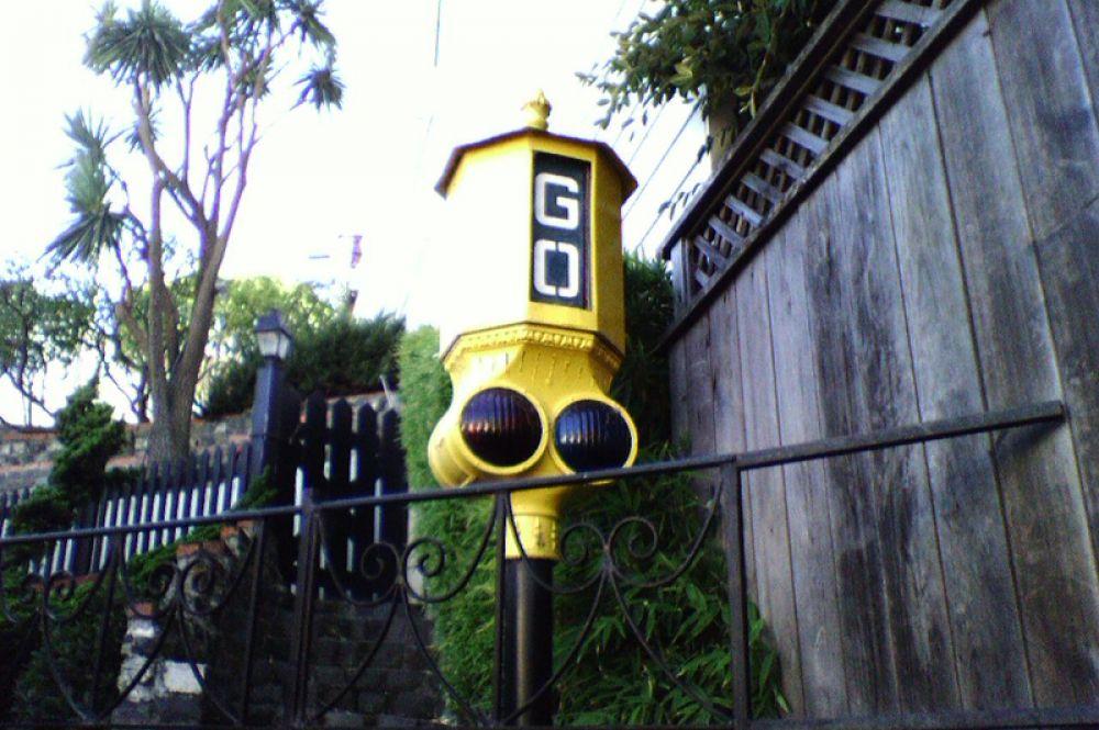 Старинный светофор в Сан-Франциско.