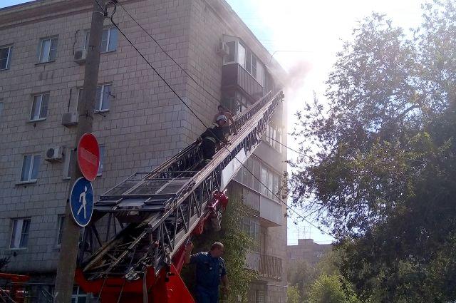 ВПетербурге впожаре квартиры сгорела вся кухня