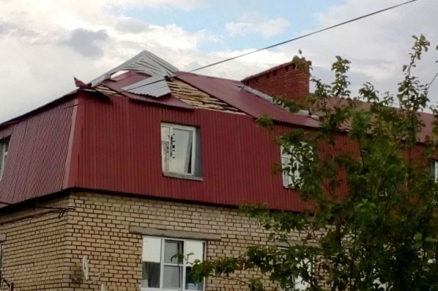 ВНурлатском районе ветер поломал крыши 20 домов