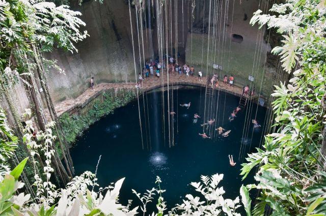 ВМексике умер житель россии, плававший поподводным пещерам