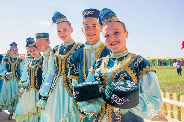 В Ялуторовске знакомят с укладом жизни татар, славян и других народов