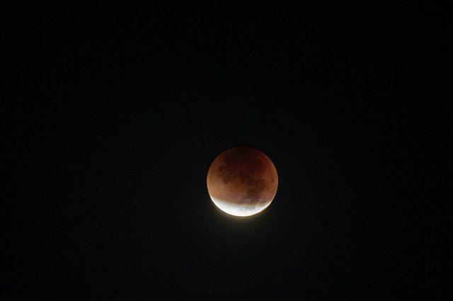 07:21 07/08/2017<br /> 0<br /> 0</p> <p>Уральцев ожидает частичное лунное затмениеСамая активная фаза на Среднем Урале ожидается между 23 и 24 час