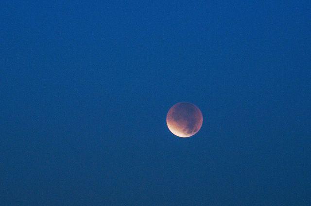 Оренбуржцы смогут увидеть частное лунное затмение.