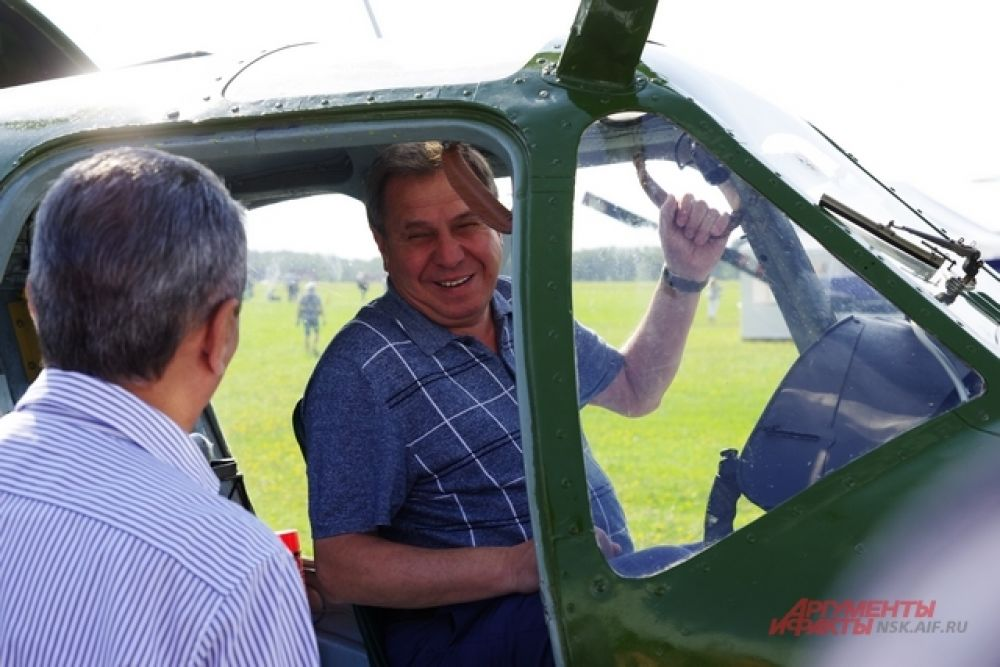 Авиатехника никого не оставляет равнодушным. Даже губернатора, всегда сдержанного на эмоции!!!