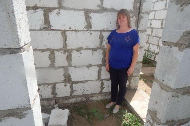Пока дом семьи Цой совершенно непригоден для жилья.
