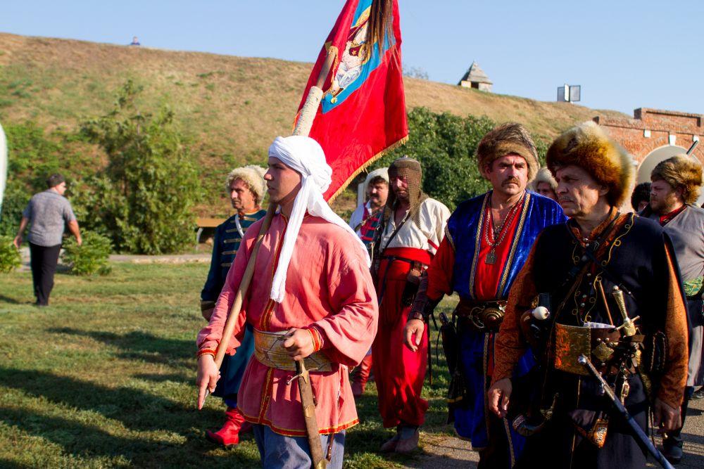XIII Всероссийский военно-исторический фестиваль, посвященный Азовскому осадному сидению донских казаков 1641 года, состоялся на Дону.
