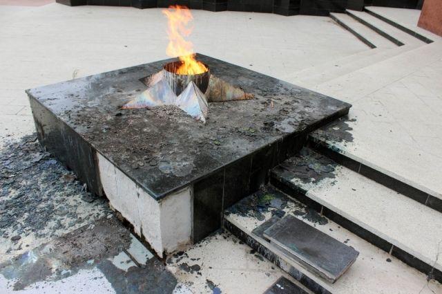 Две уральские школьницы пойдут под суд заосквернение мемориала