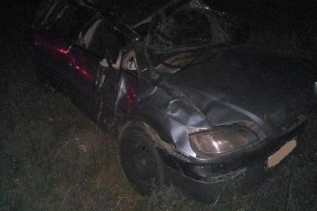 Уавтомобиля, идущего вКазахстан, лопнуло колесо надороге вСамарской области